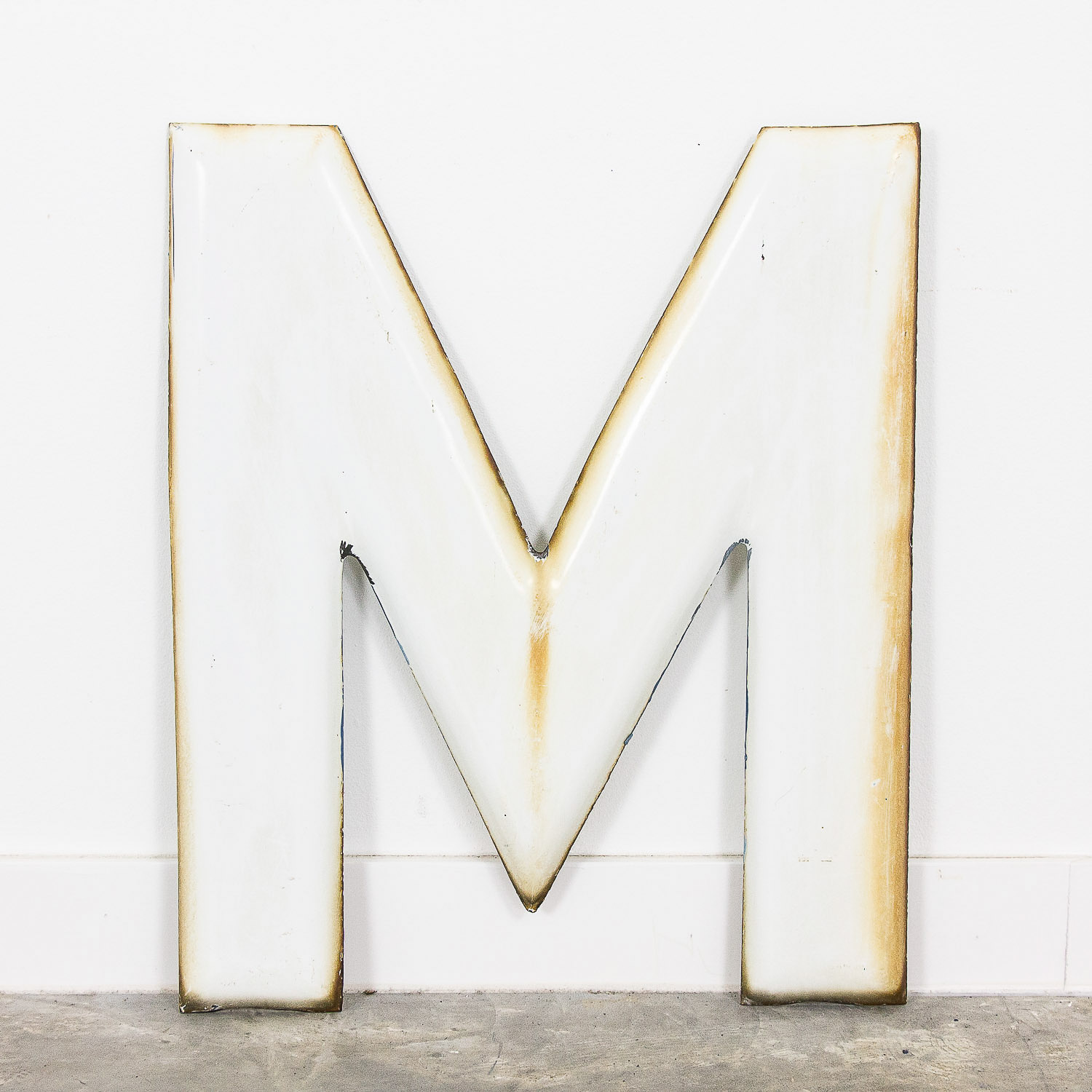 Emaille letter M