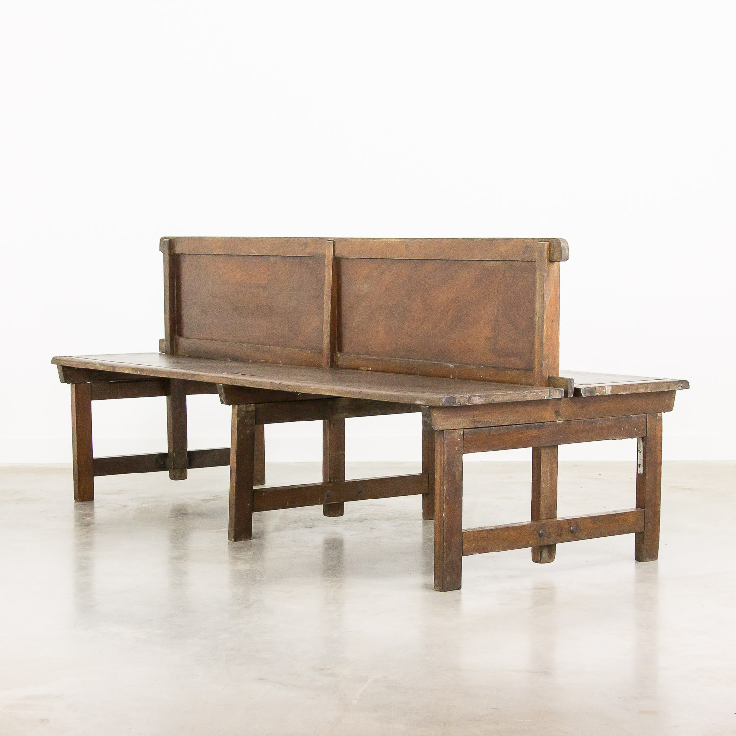 Double sided station bench