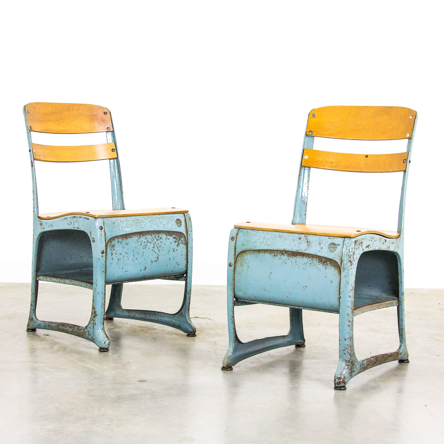 Set of 2 American industrial schoolchairs by Envoy