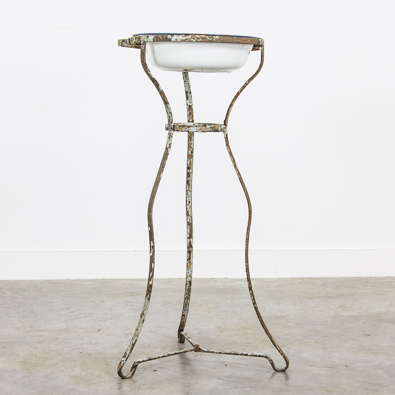 Antique iron wash stand
