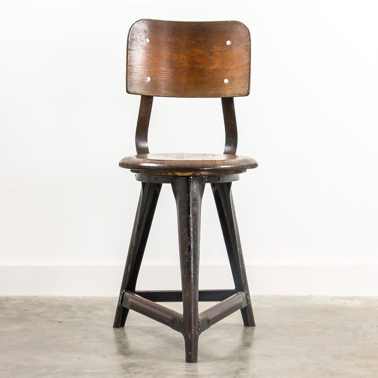 Rowac style industrial chair
