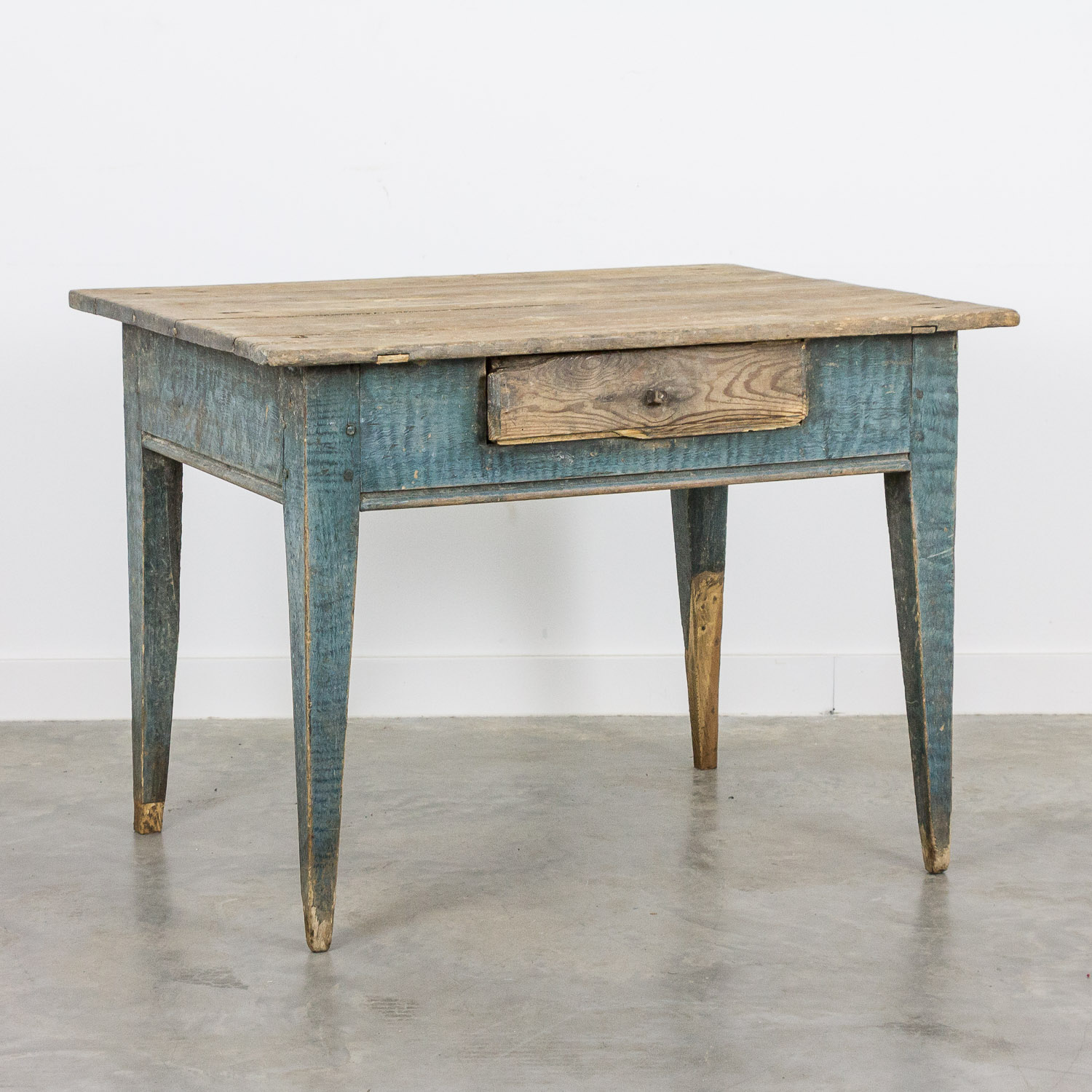 Swedish farmhouse table 19th Century