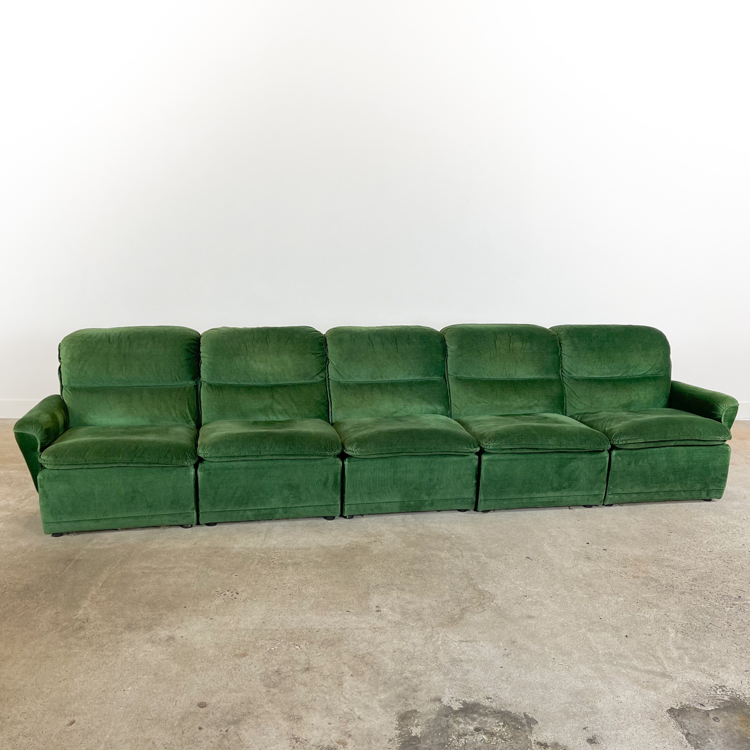 Vintage elemental sofa green velvet