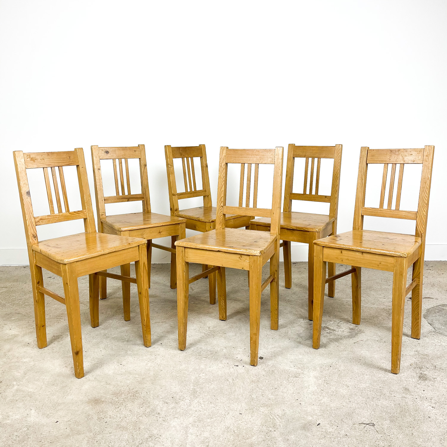 Set of 6 pine wooden farmhouse chairs