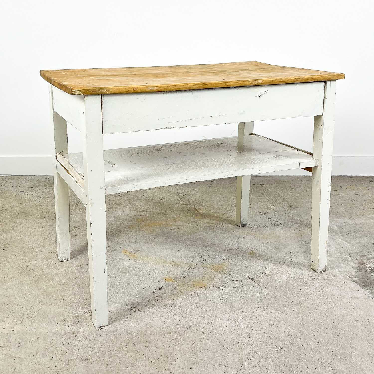 Small french brocant white painted side table