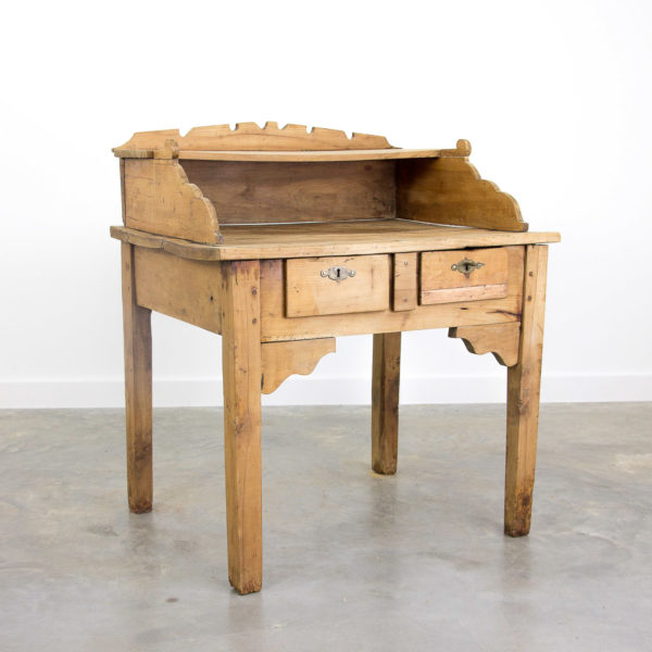 2425 French writing table