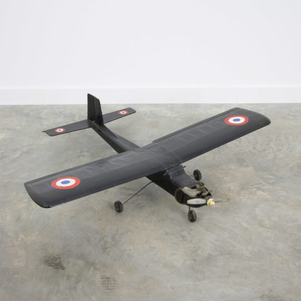 2738 RC model airplain